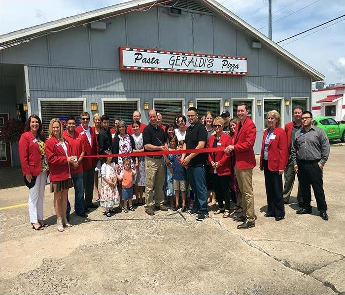 Geraldi's Pizza Ribbon Cutting